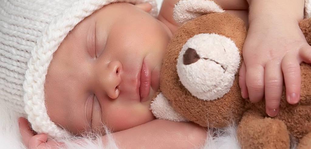 Il neonato abbandonato sulla circumvesuviana finalmente avrà una famiglia