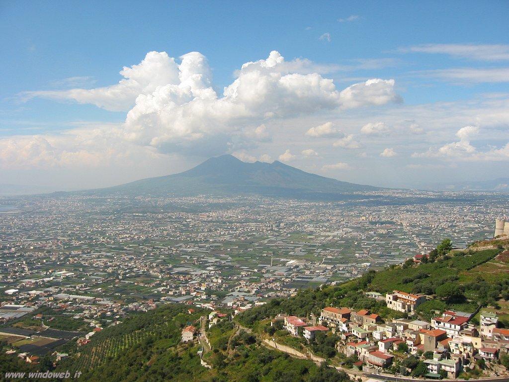 Rifiuti: raccolti 700 chili sul Vesuvio