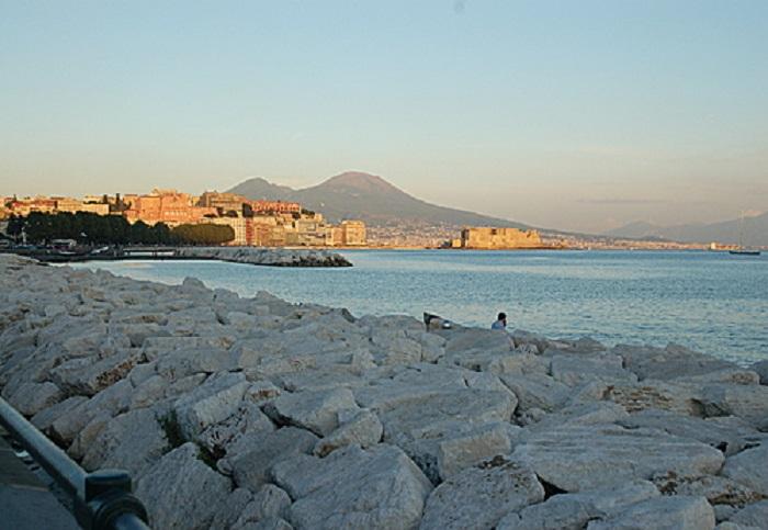 Il mare di Napoli è eccellente, non è un cliché