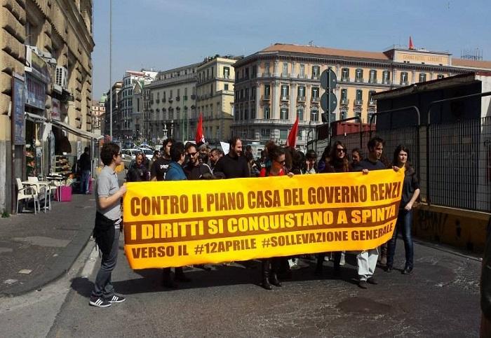 Decreto Renzi sulla casa, protesta al Palazzo Reale