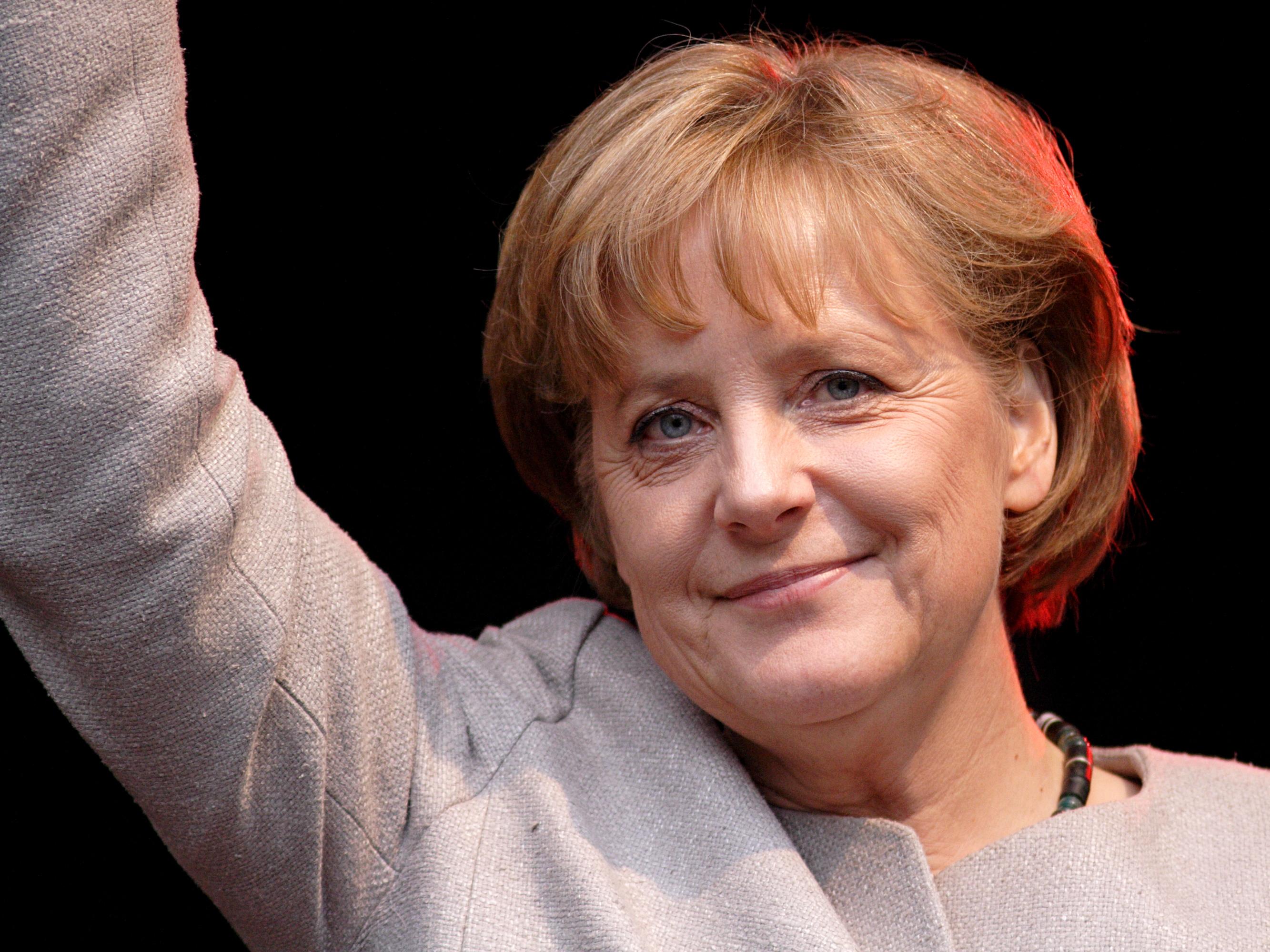 """""""Il caffè napoletano è il più buono del mondo"""", la Merkel smentisce Godina"""