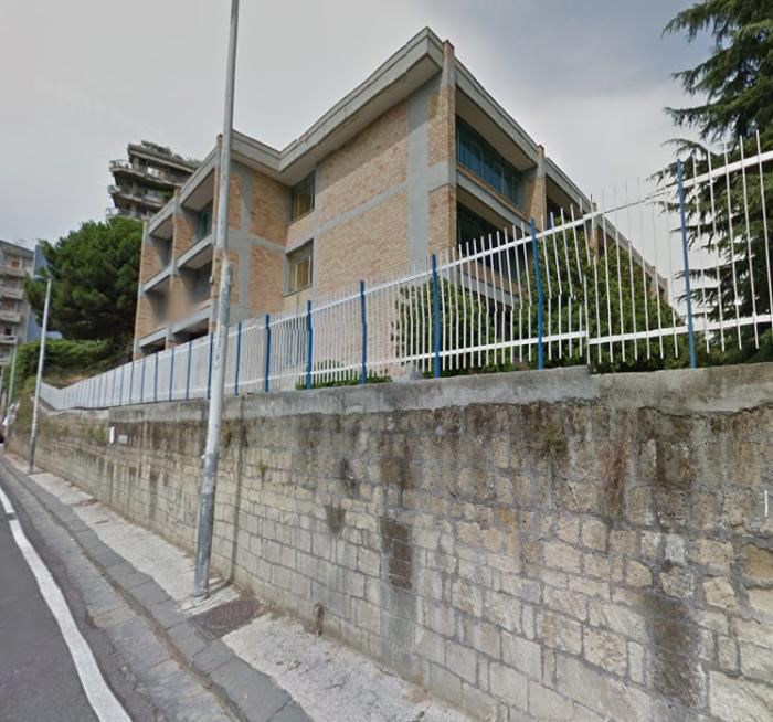 Scoperta l'identità dell'uomo impiccato alla scuola Pavese: quasi sicuramente è suicidio