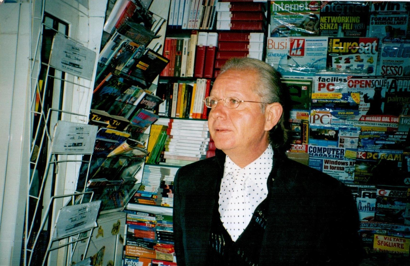 Il decano dei giornalai, dopo 44 anni, vende la sua edicola