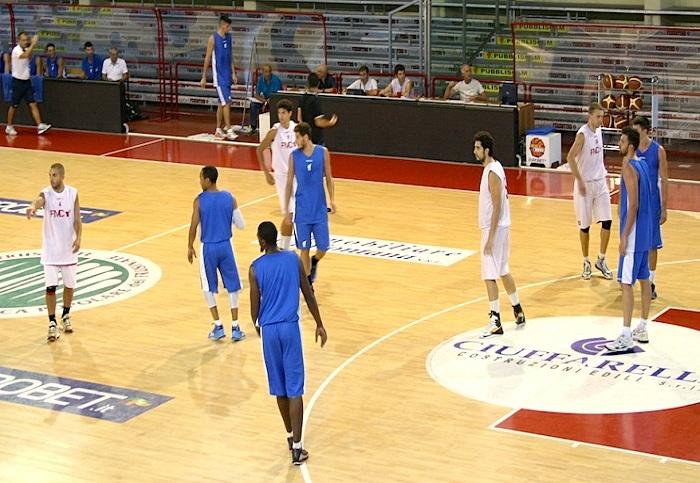 Basket, l'Expert Napoli vince 101-87 con Ferentino e torna a sognare i playoff