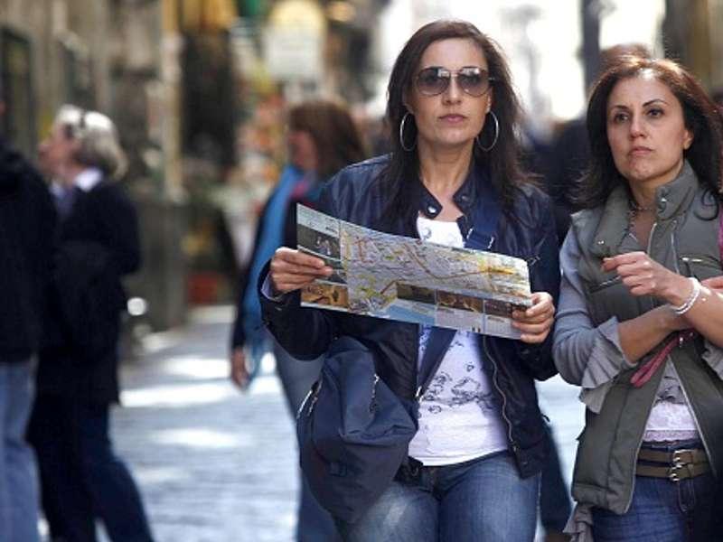 Da domani 60 volontari per accogliere i turisti a Napoli