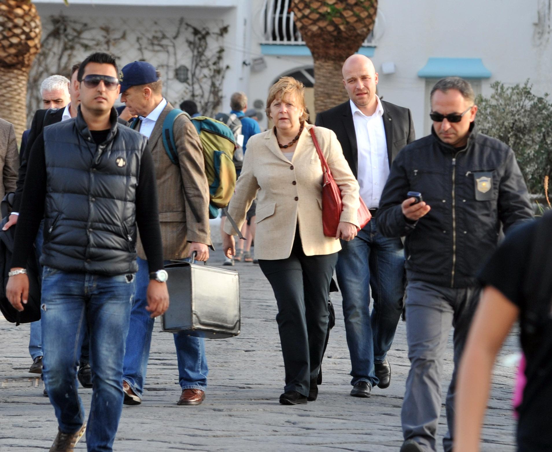 Continua la visita della Merkel a Napoli: stasera al San Carlo per l'Otello