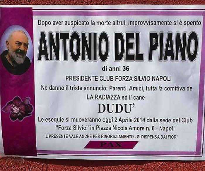"""Manifesti funebri di De Magistris, ora a """"morire"""" è anche Antonio Del Piano, ideatore dello scherzo"""