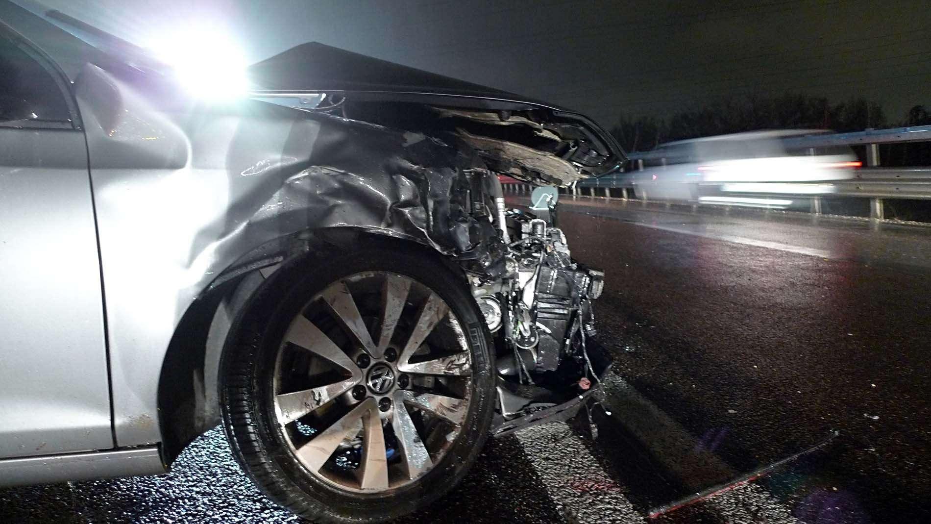 Miracolato: esce illeso dalla sua vettura dopo un incidente in tangenziale