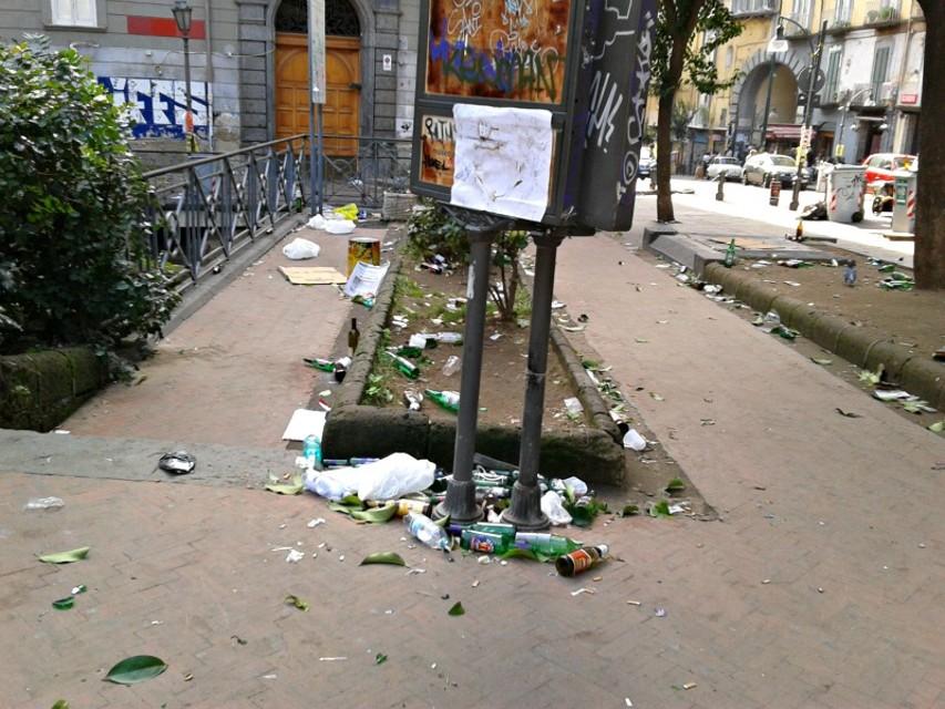 Rissa ieri sera a piazza Bellini, colpito un ragazzo. Ancora violenza nel centro di Napoli