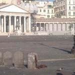 Piazza Plebiscito: smantellamento record, ma restano le cartacce