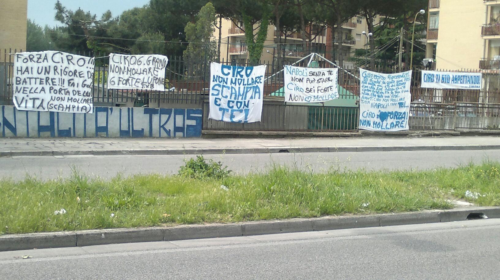 Scampia con Ciro: striscioni davanti al suo autolavaggio