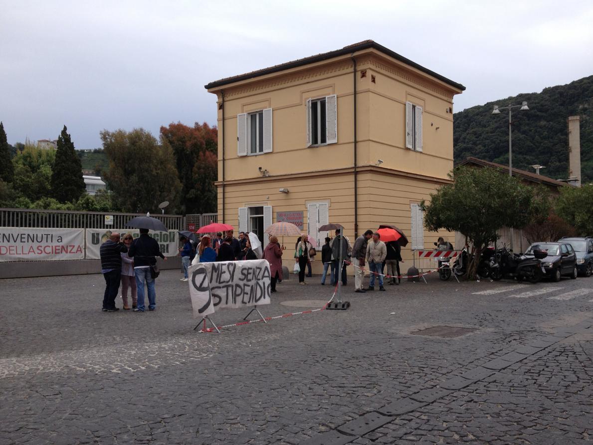 """Città della Scienza, lavoratori in subbuglio: """"Noi, da 9 mesi senza stipendio"""""""