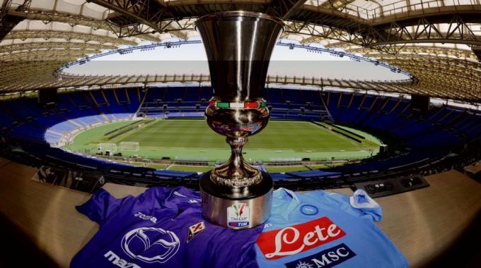 Stangata al Napoli: due turni a porte chiuse e 60mila euro di ammenda