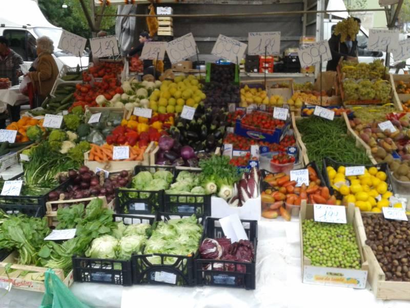 Poggioreale: trovato un deposito di cibo avariato pronto per essere immesso nel mercato