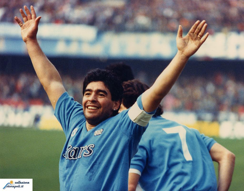 Diretta streaming con Maradona dal Lungomare di Napoli