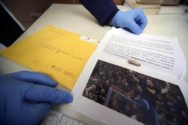 Minacce a Genny a'carogna: lettera con proiettile di pistola pervenuta a Il Mattino