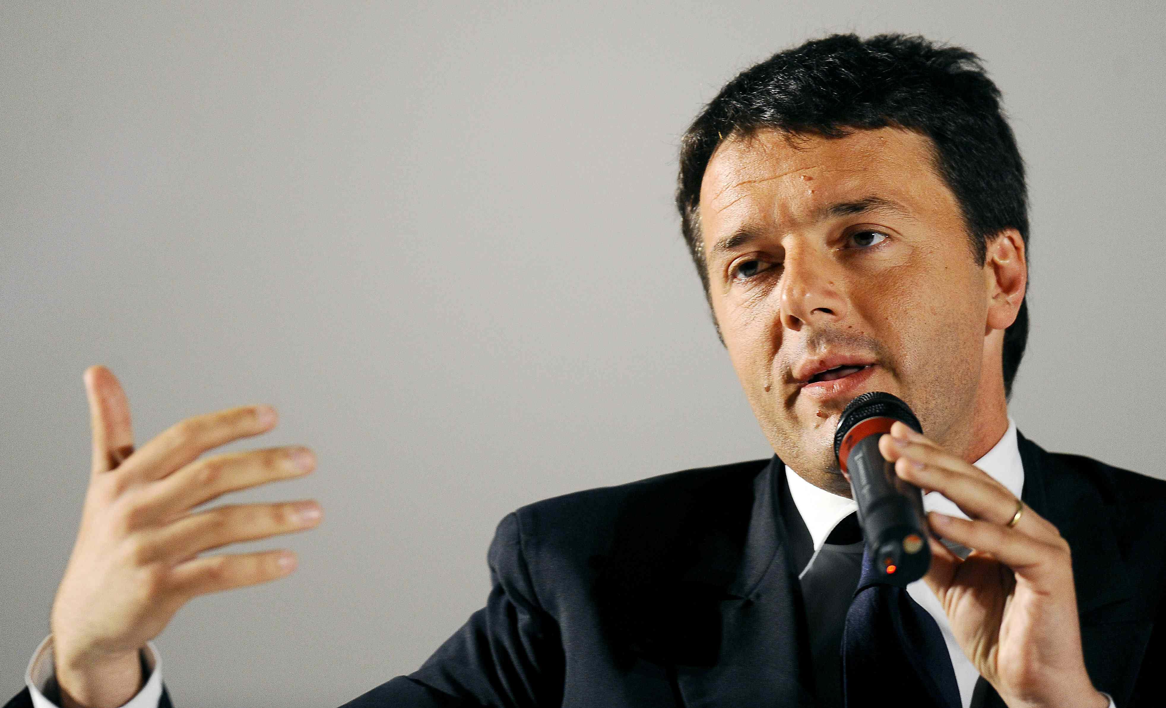 """Renzi: """"Pronto a dare una mano a Napoli"""""""