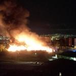 Le fiamme divampano nell'ex campo rom a Poggioreale (FT - VIDEO)