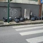 Capodimonte, rifiuti radioattivi in strada, sequestrati 14 sacchi