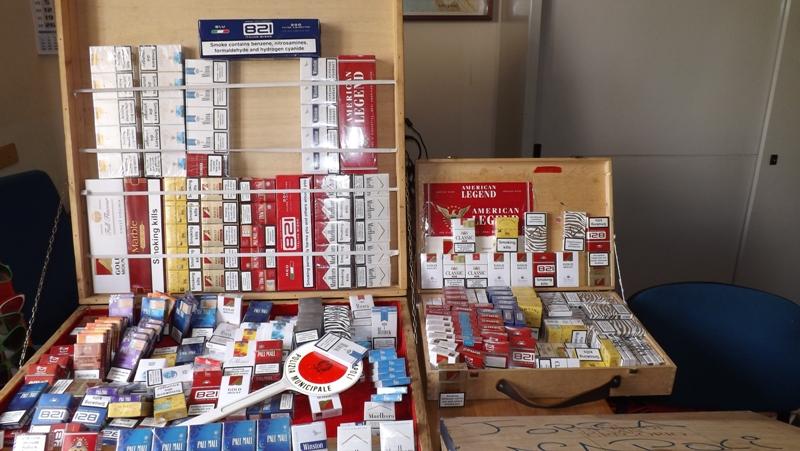 Con la crisi tornano i contrabbandieri: sequestrate 300 stecche di sigarette