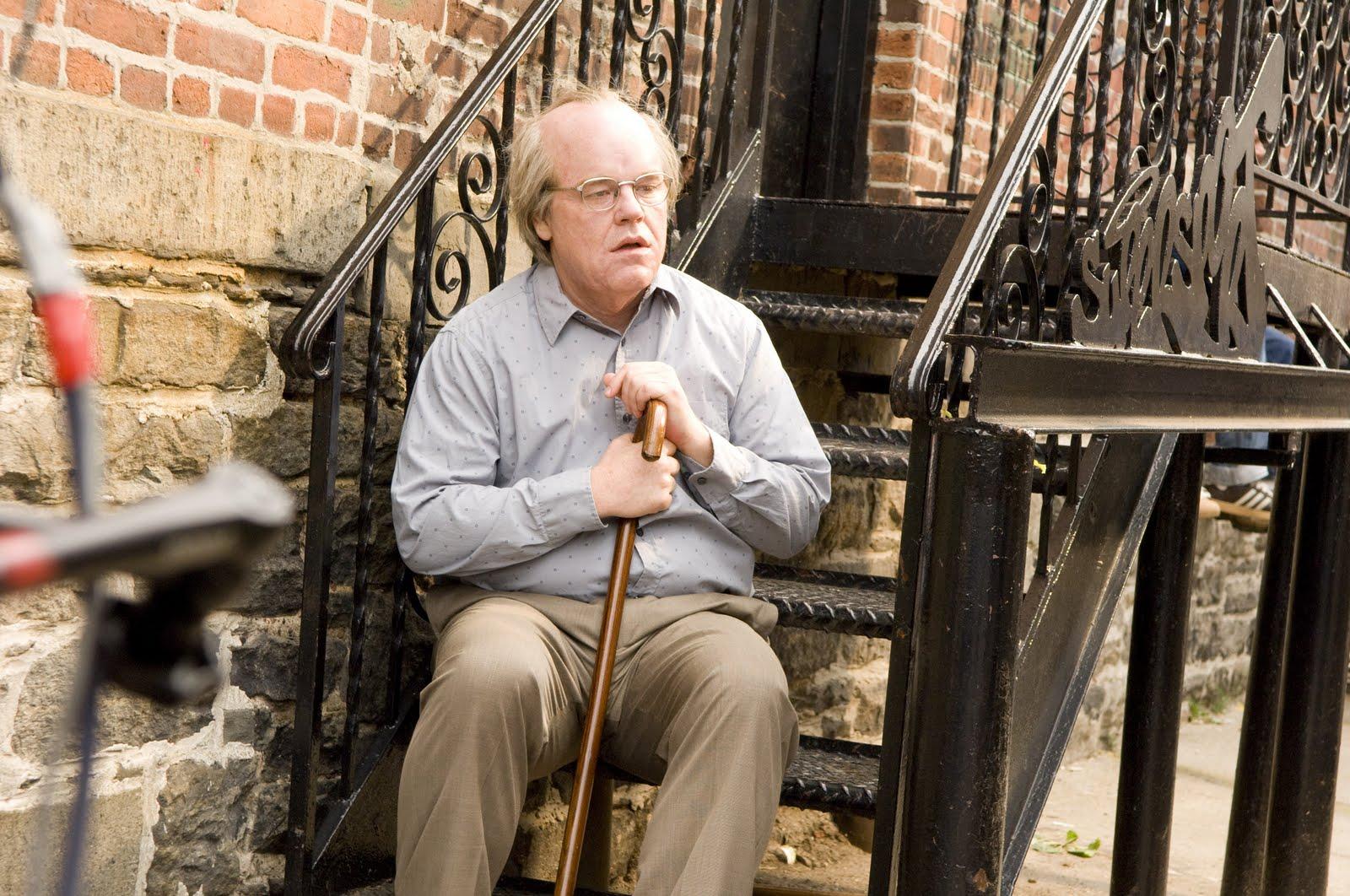 L'ultimo film del compianto Hoffman contro Per un Pugno di Dollari: oggi scegliere è dura