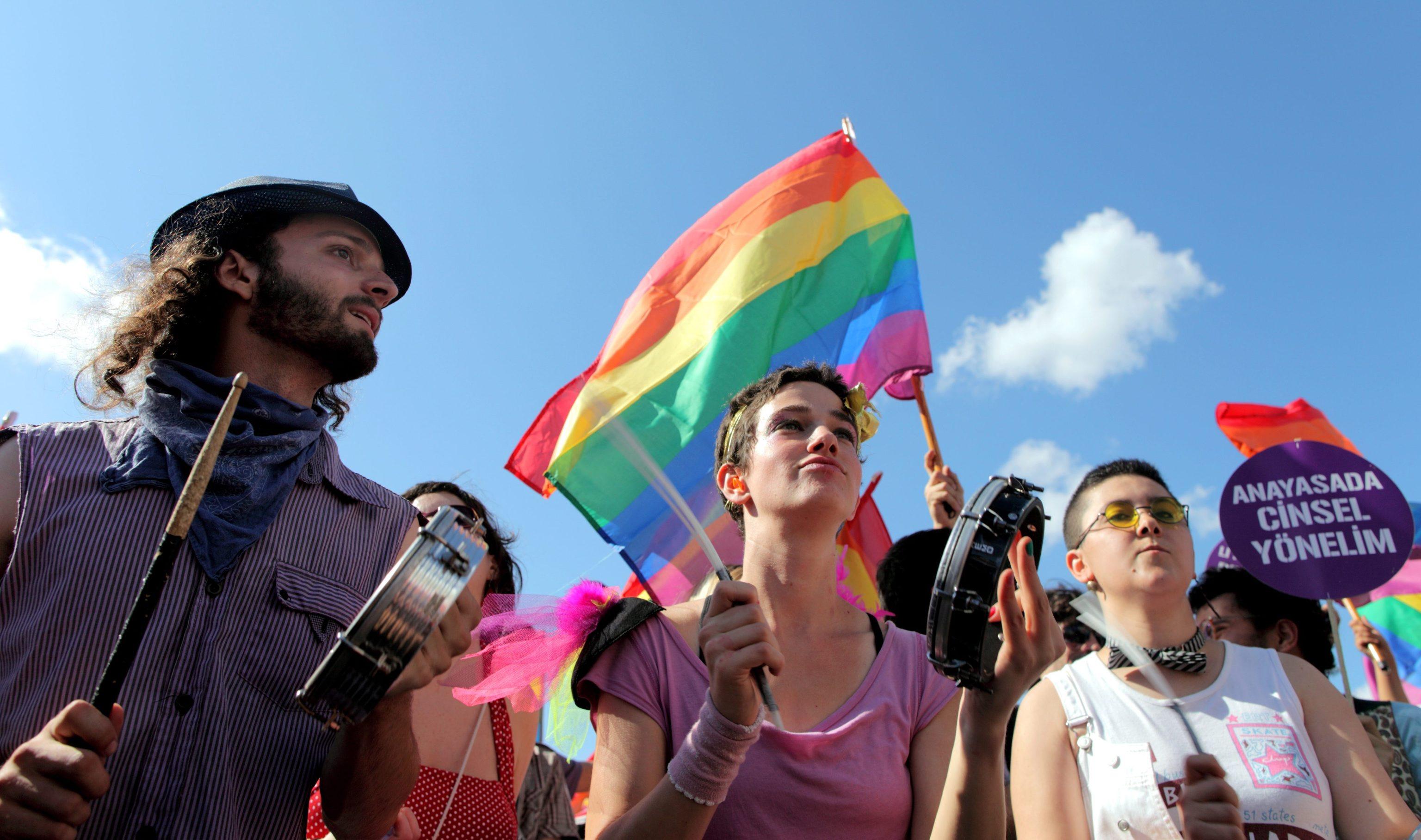 Basta discriminazioni contro gli omosessuali: a Napoli nasce lo sportello amico