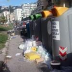 Viale Augusto resort: materassi e cuscini nel bel mezzo dei giardinetti (FOTO E VIDEO)