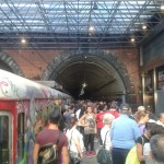 Incubo cumana: la folla invade le banchine ma oggi i treni non partono (FOTO)