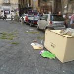 Chiesa dei Gerolomini nella munnezza. Ecco come è ridotto il capolavoro barocco nel cuore di Napoli