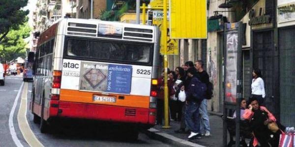 Roma razzista: aggrediscono autista Atac perché ha l'accento napoletano