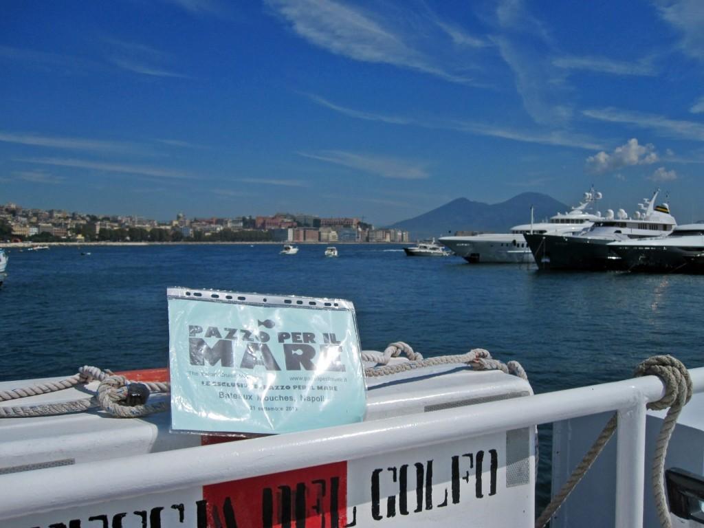 """Parigi contro Napoli: la capitale francese diffida il nostro """"Bateau Mouche"""""""