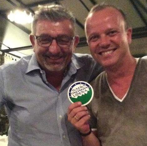Gigi D'Alessio e Lega Nord: gli internauti s'indignano per la partecipazione a Radio Padania Libera
