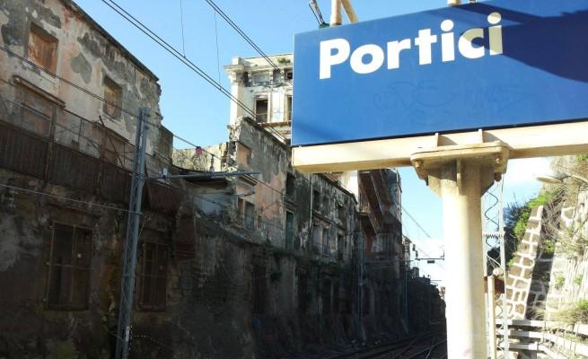 Una petizione per far riaprire la linea ferroviaria Napoli - Salerno