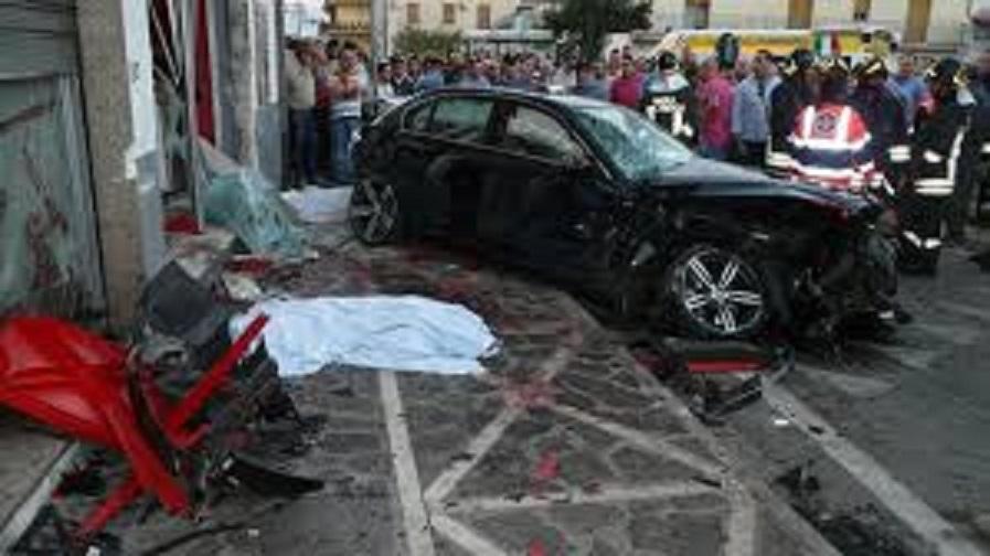 Strage a Sassano, un'auto si schianta. Morti quattro ragazzi