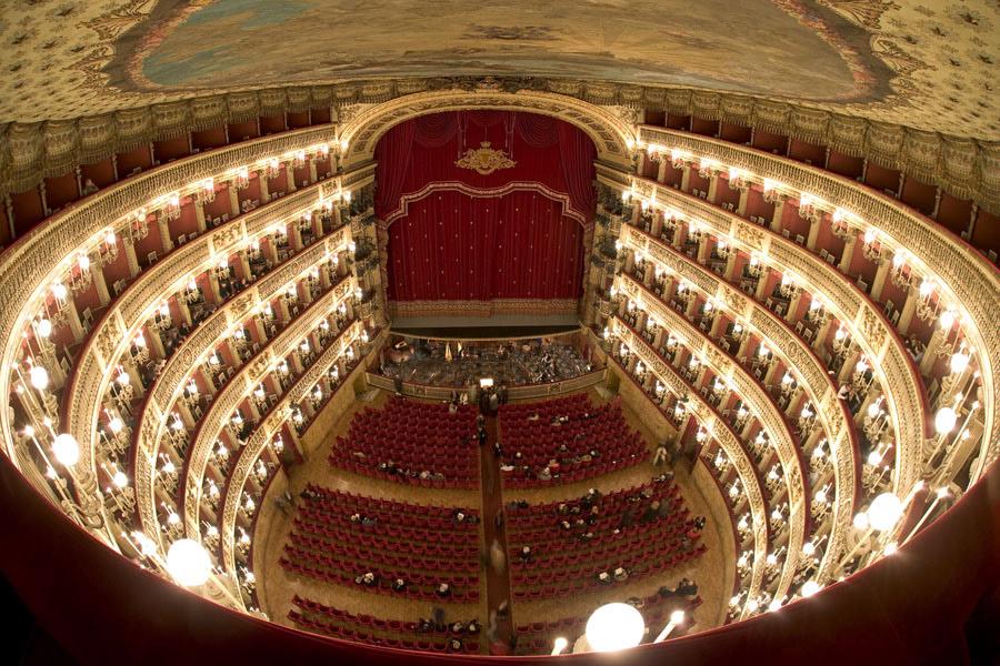 Il Teatro San Carlo secondo classificato nel mondo: ecco cosa dice National Geographic