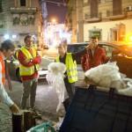 De Magistris operatore ecologico per una notte: eccolo al seguito dell'Asìa (FOTO)