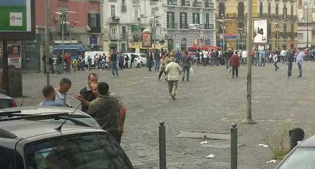 Porta Capuana: sgomberato il mercato di piazza Leone