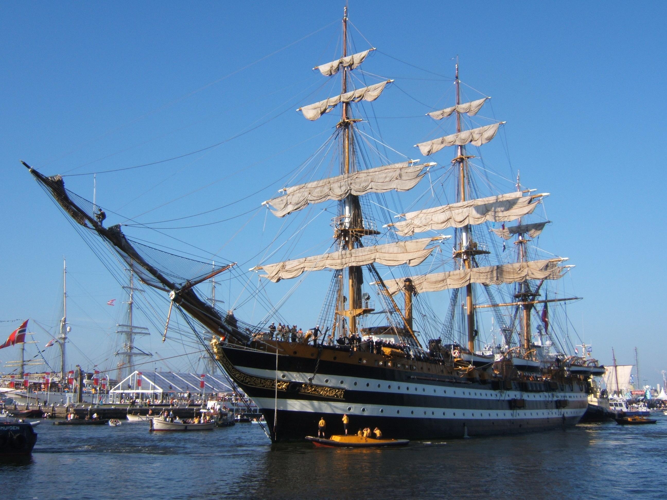 La 'Amerigo Vespucci' sosterà nel porto di Ravenna da dove manca dal 2008