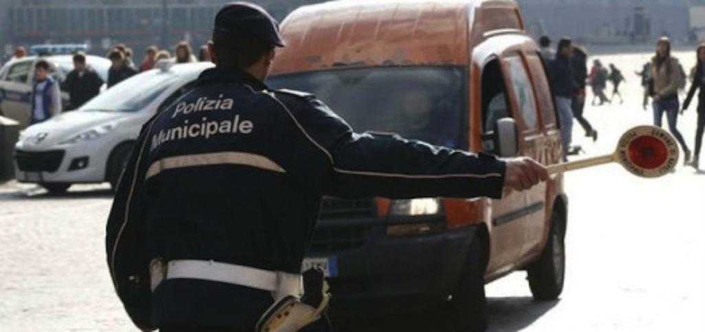 Viabilità Napoli, limitazioni al traffico sospese fino al 6 ottobre