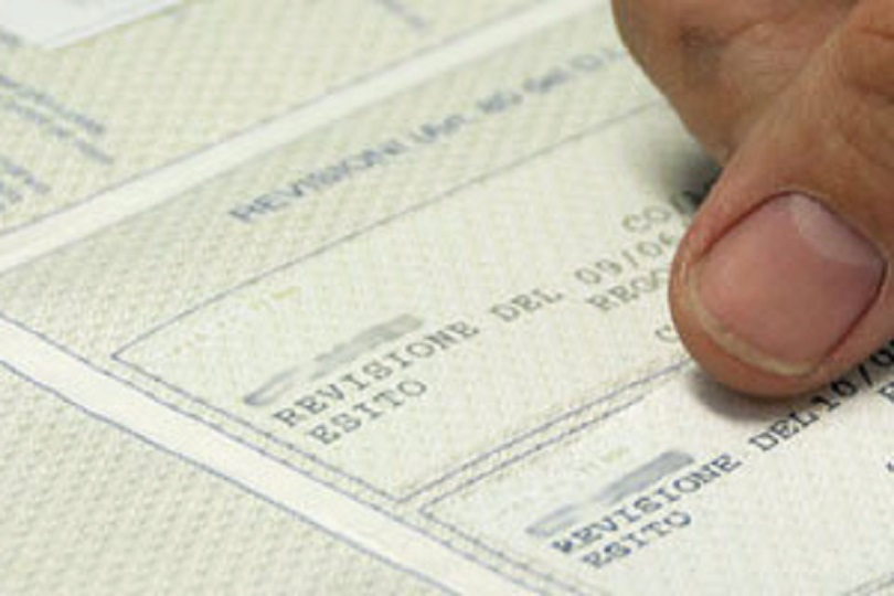 Carta di circolazione e assicurazione: ecco cosa non vi hanno detto