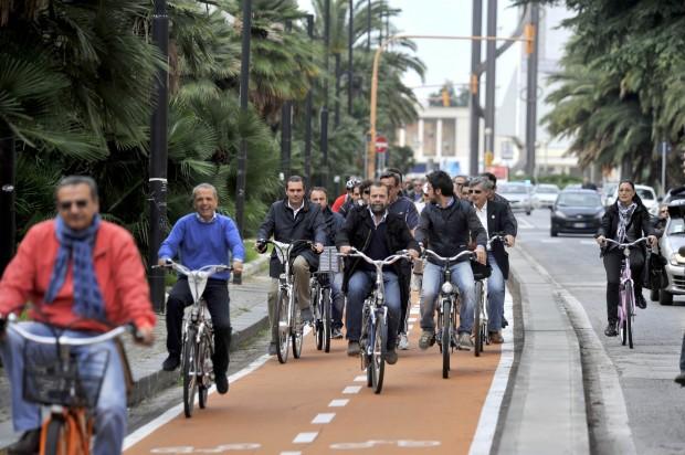 La pista ciclabile di viale Augusto trasloca