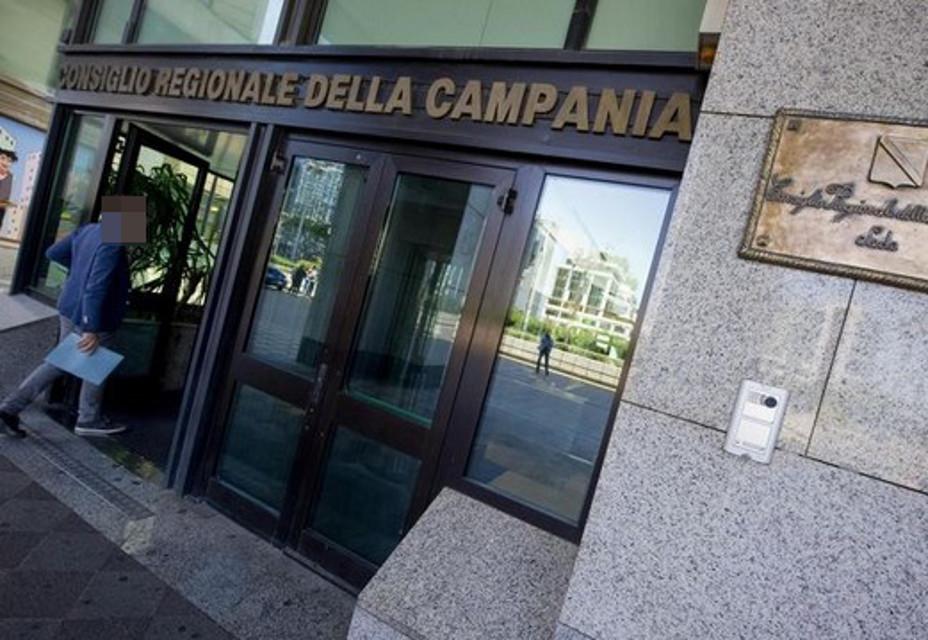 Allarme bomba: stavolta al Consiglio regionale Campania