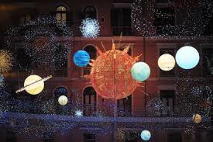 Napoli: il Natale inizierà prima per favorire l'economia