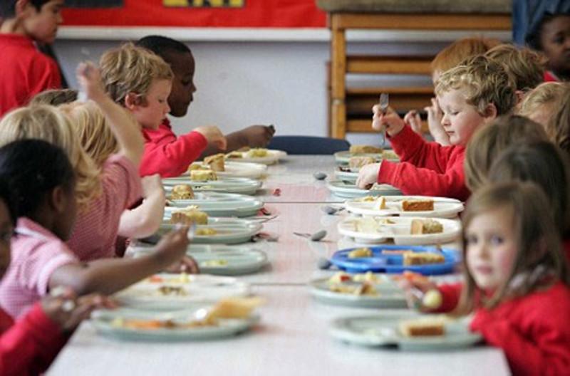 Pasto da casa per refezione a scuola: il no del tribunale di Napoli