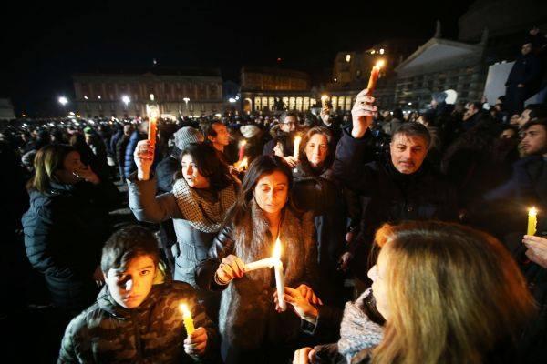 Flash mob Pino Daniele in una parola e in un ricordo
