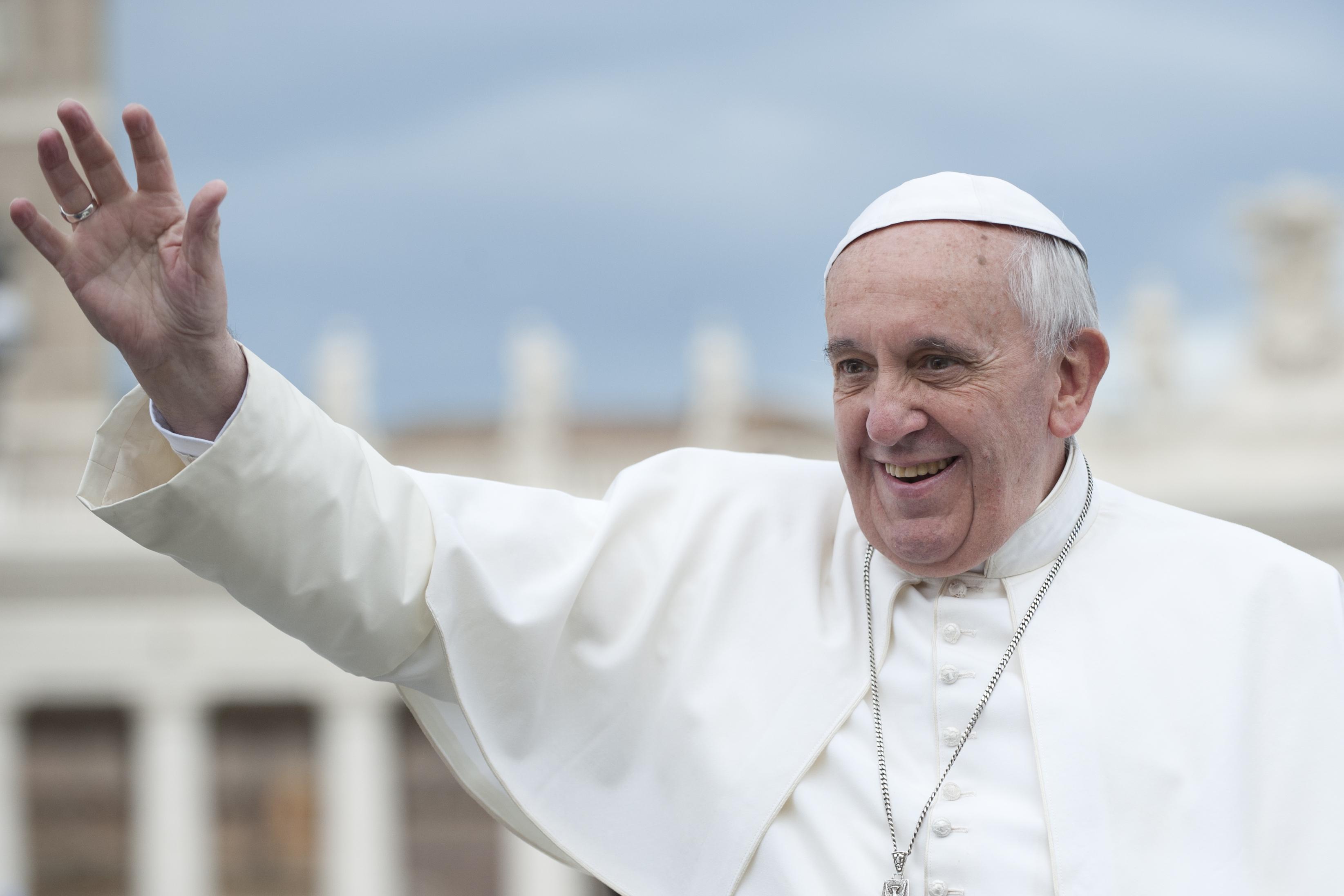 Accoglienza Papa Francesco: la Curia di Napoli cerca volontari