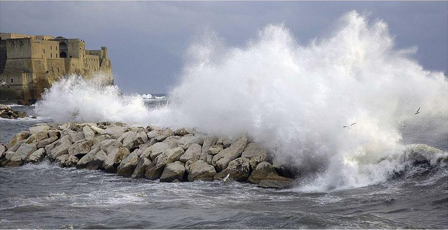 Maltempo Golfo di Napoli