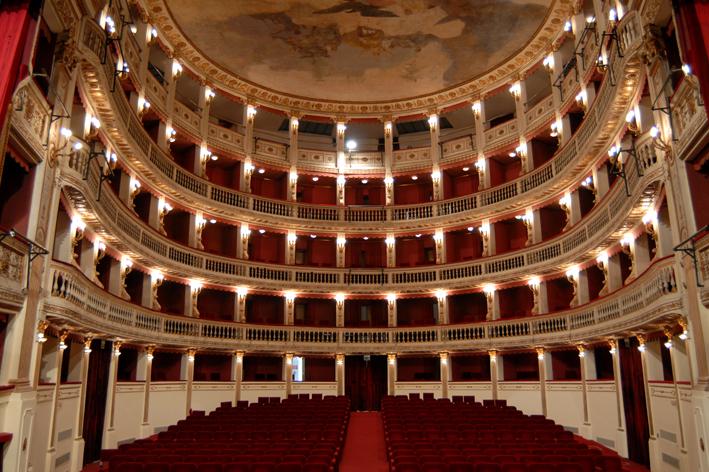 Teatro Mercadante: scandalo assunzioni per il teatro stabile