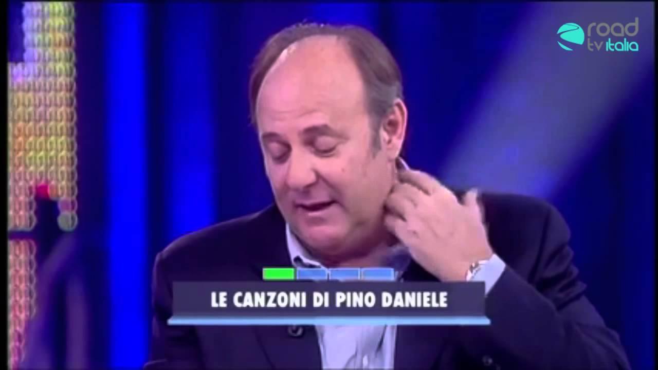 """Gerri Scotti commosso in tv: """"Pino Daniele è come una medicina""""(VIDEO)"""