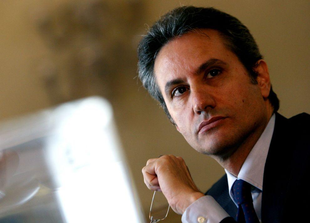 Stefano Caldoro si ricandida alla Regione (e le reazioni su Twitter non sono entusiaste)
